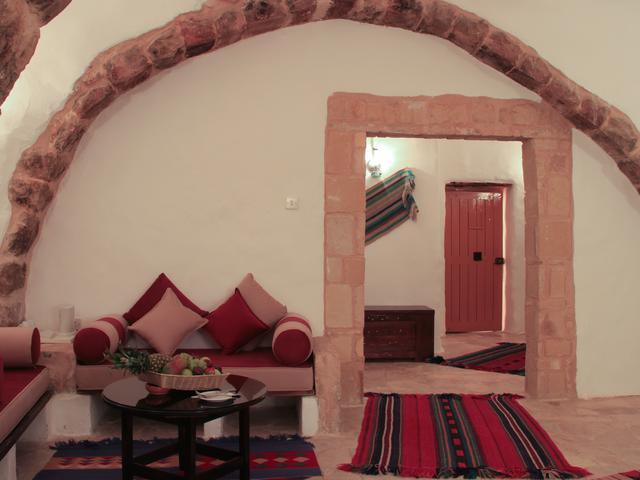 Hayat Zaman Hotel