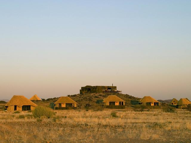 Doro Nawas Camp