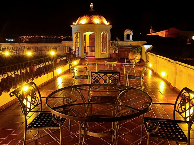 Parador Santa Maria La Real Hotel