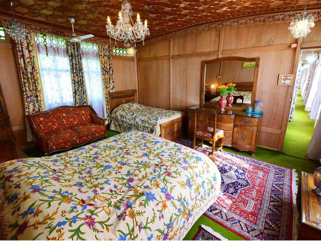Royal Houseboat