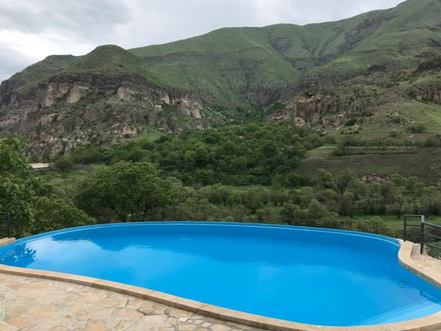 Vardzia Resort