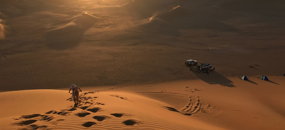 Oman Desert Adventure: Wahiba Sands & Empty Quarter