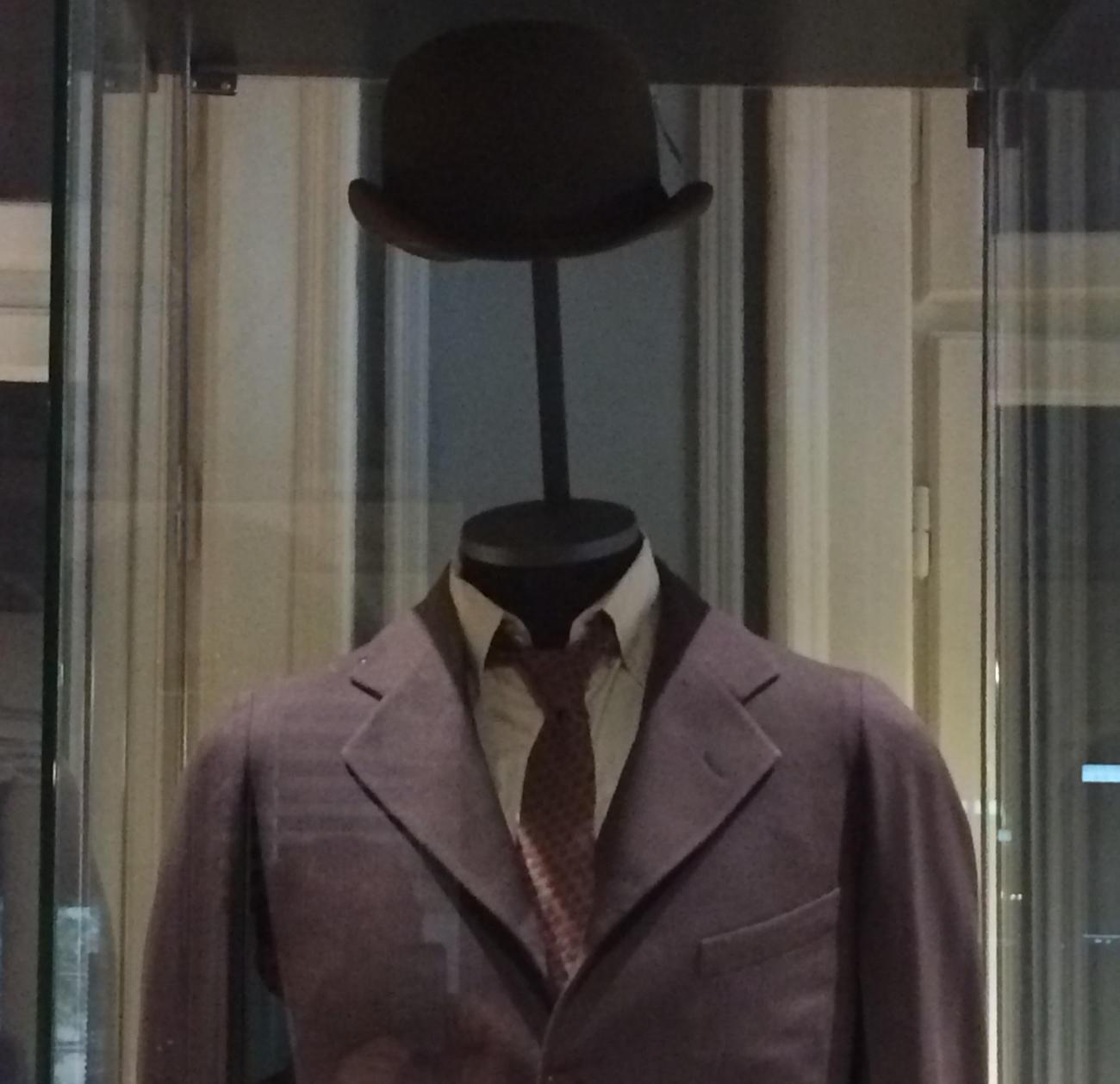 Nikola Tesla's clothes