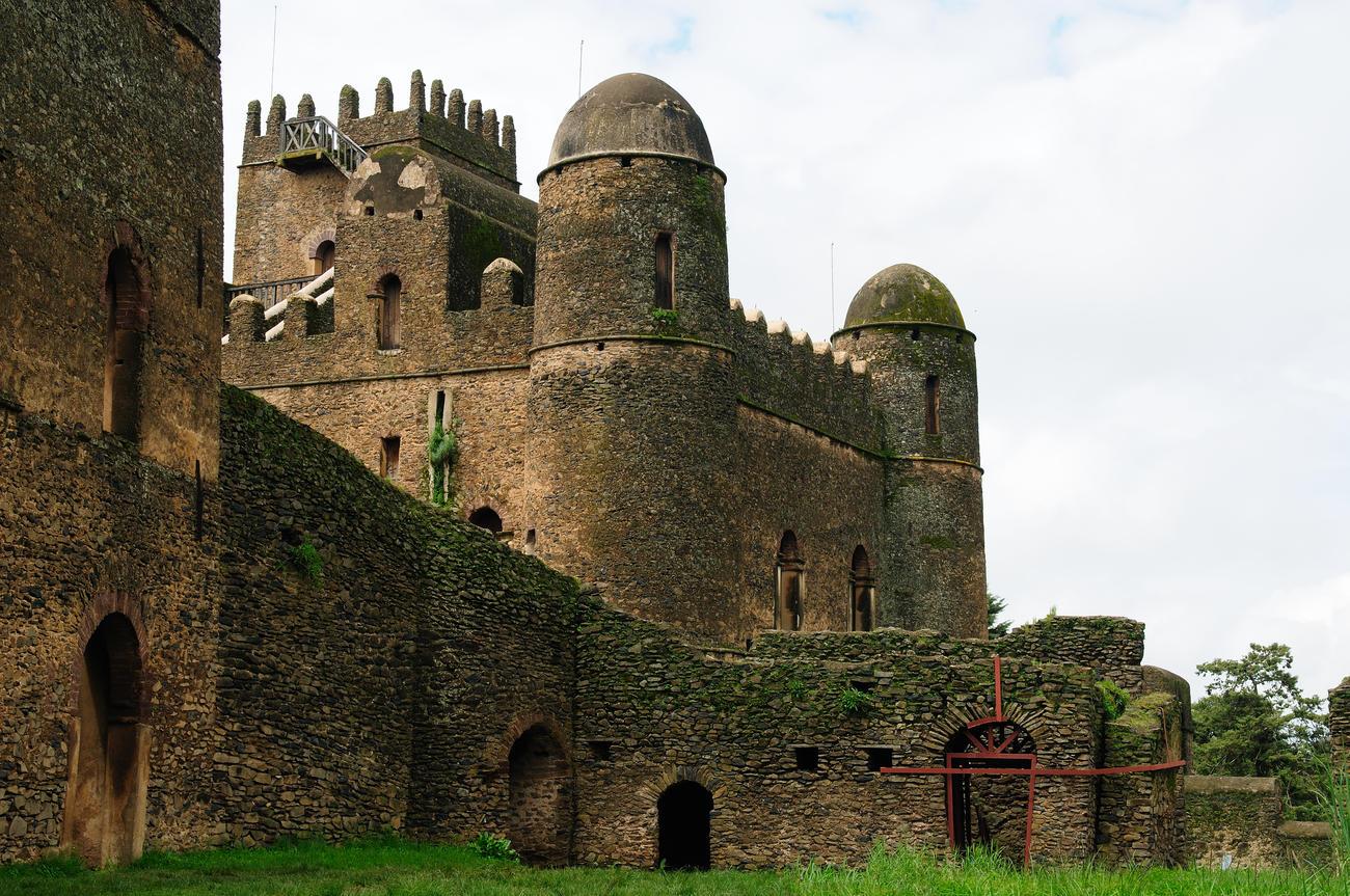 Explore Fasilides Castle i Gonder