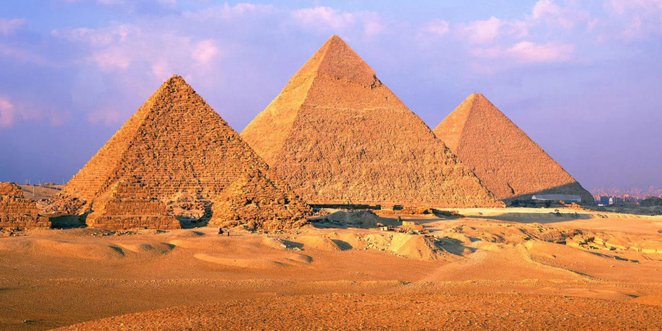 explore pyramids of giza