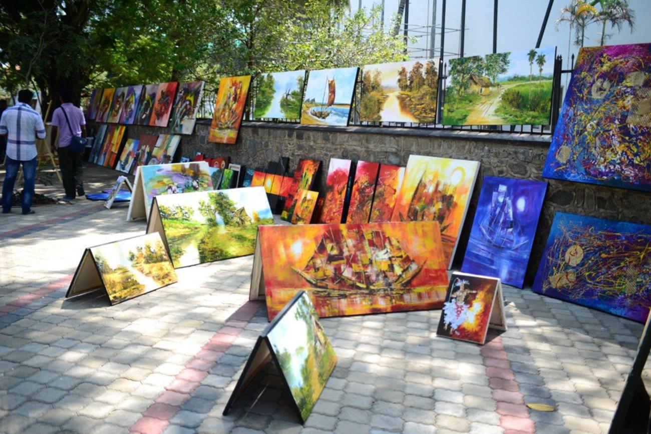 Photo by Arun Dias Bandaranaike, Trustee, George Keyt Foundation: http://bizenglish.adaderana.lk/the-george-keyt-foundation-promoter-of-art-and-artists/