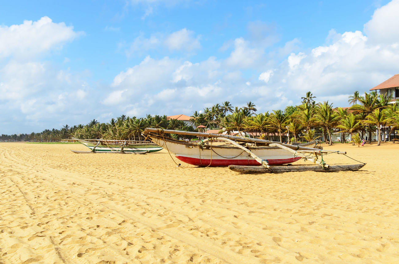 Visit the beaches of Negombo