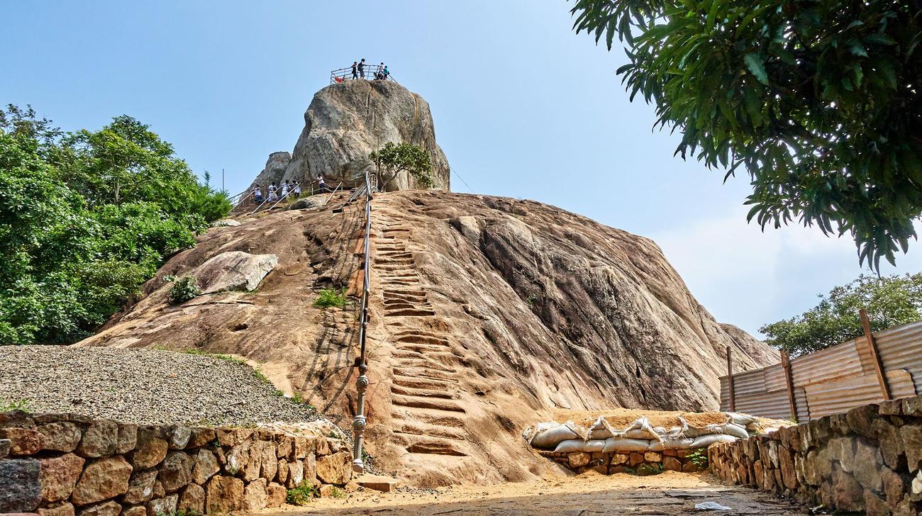 Discover the birthplace of Sri Lankan Buddhism when in Sri lanka