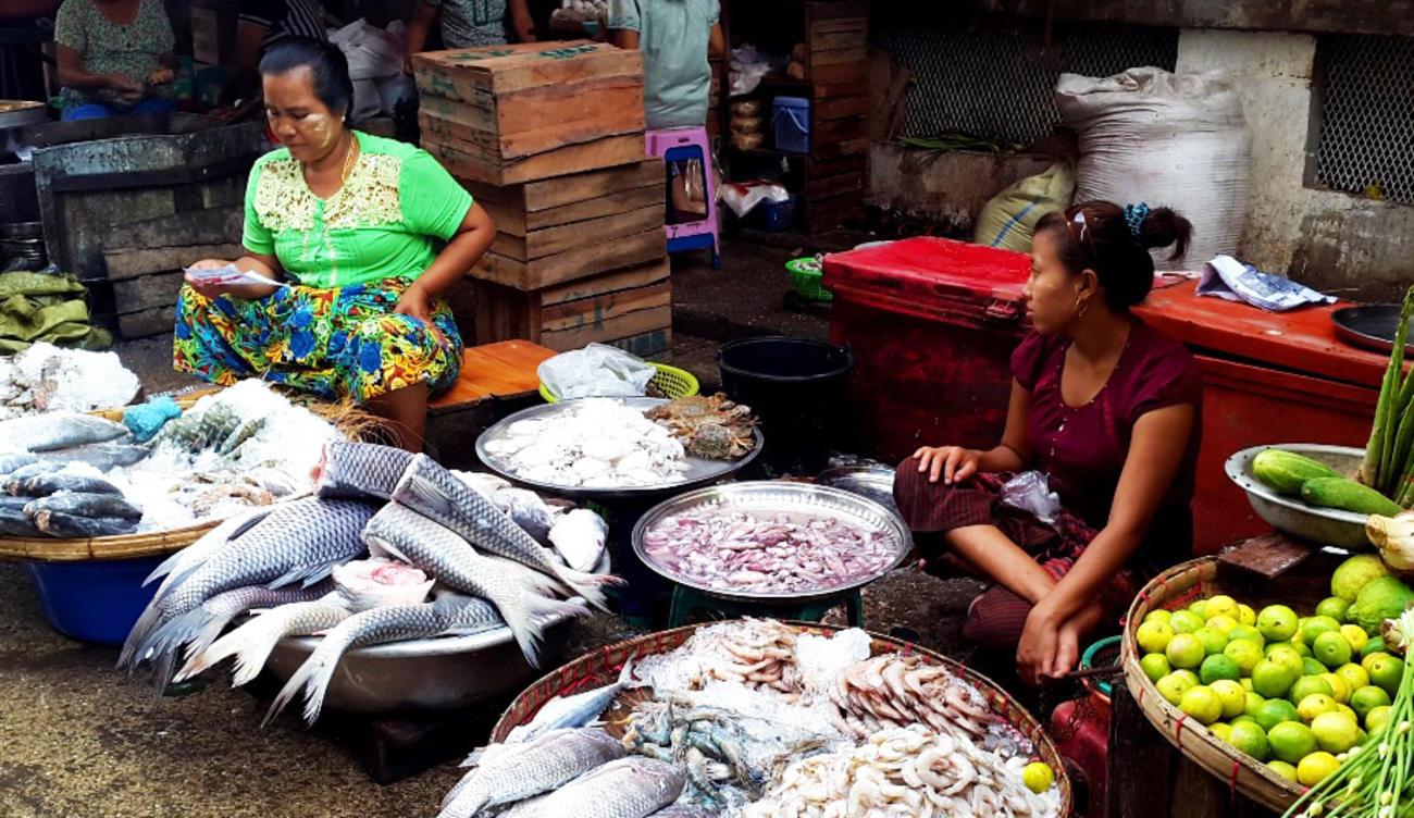 Wet market in Chinatown